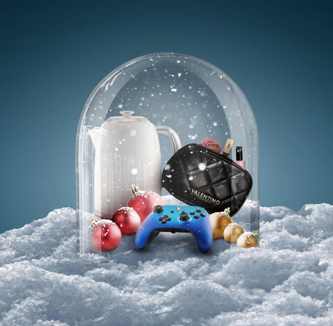 Creative photography - Snow globe product photography